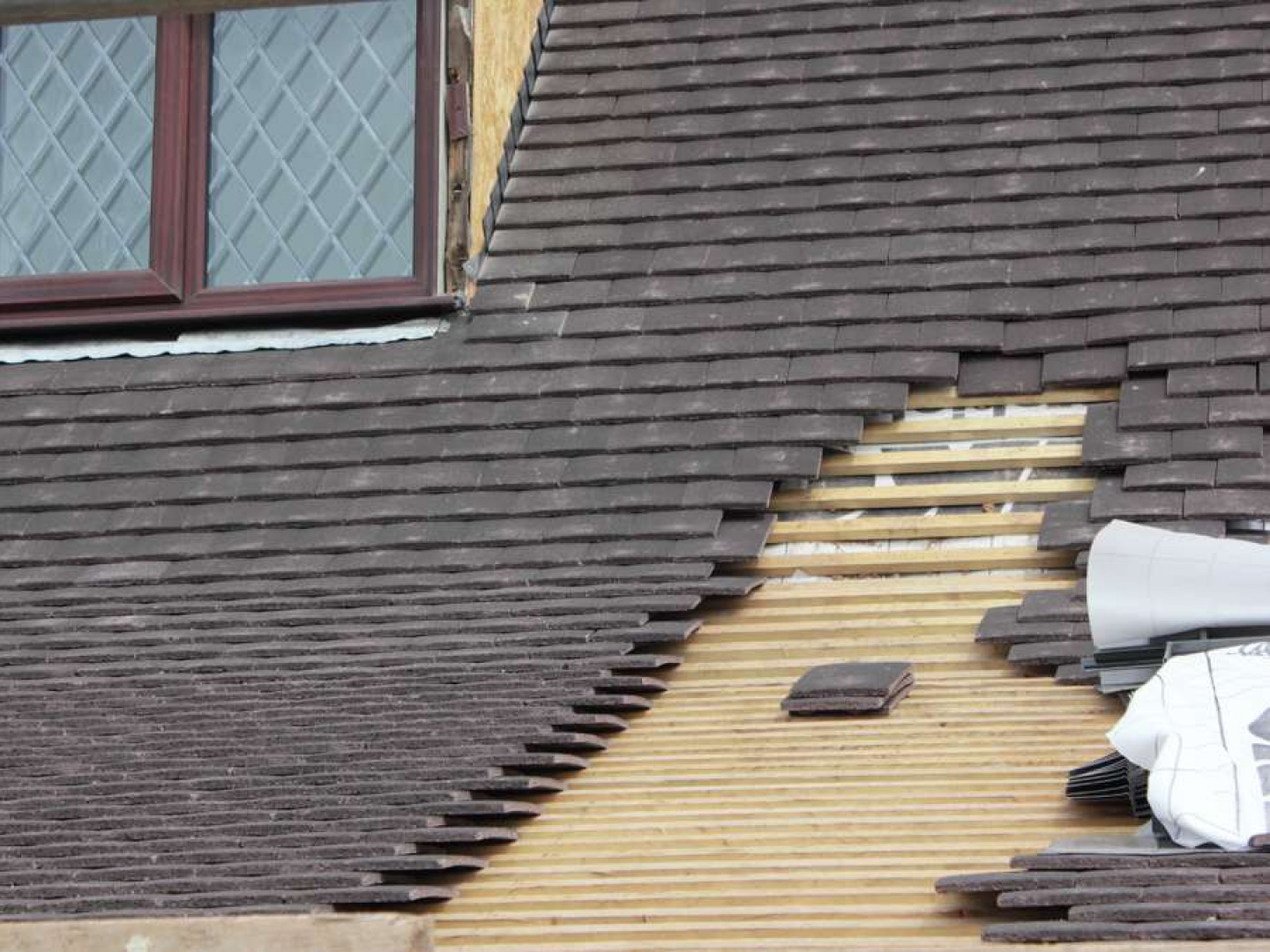 Trust your tile roof to the pros